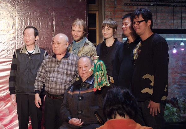 Sorkfjord with members of the Hsiao Hsi Yuan Puppet Theatre